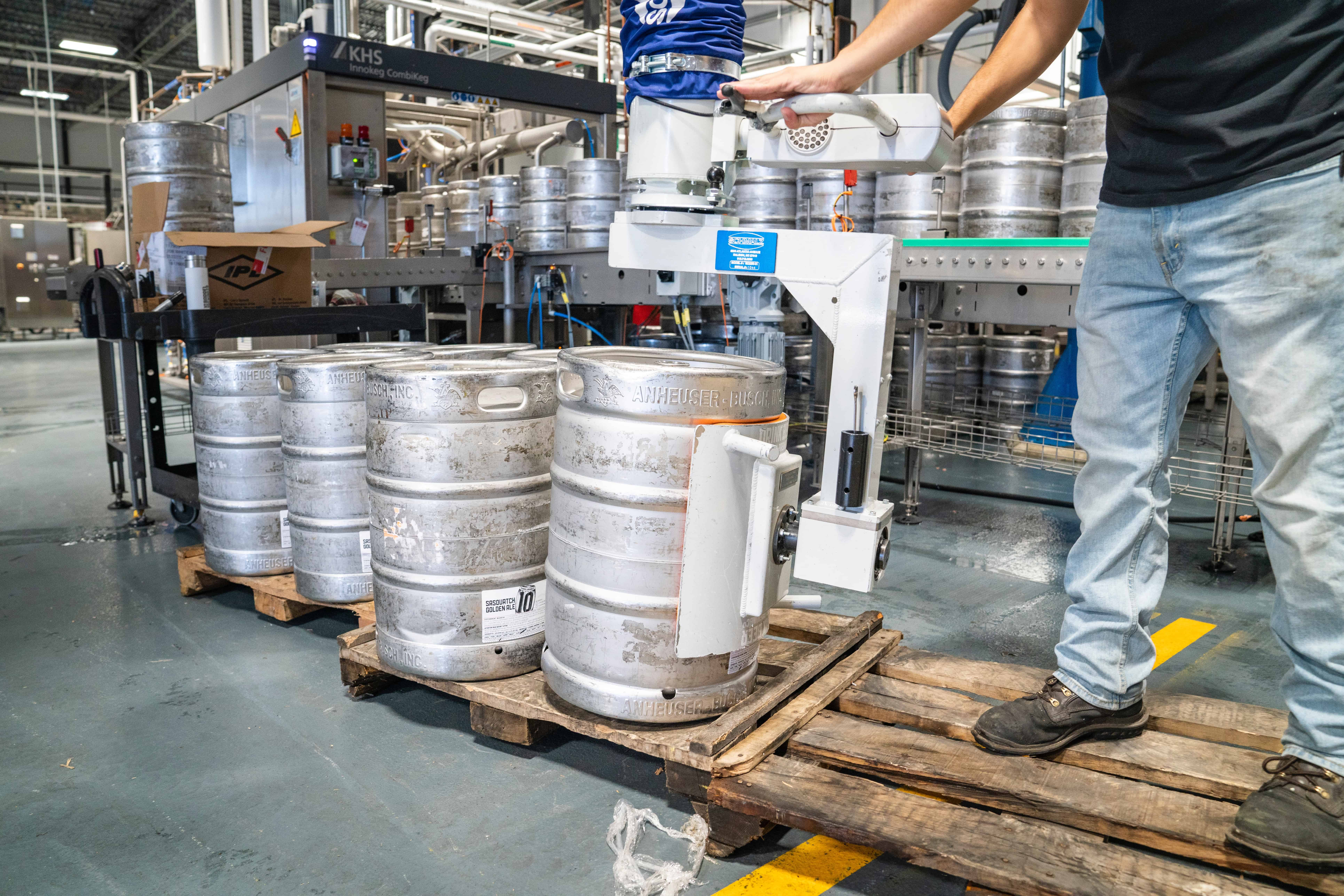 What Types of Chemical Contract Manufacturing Does ReAgent Provide
